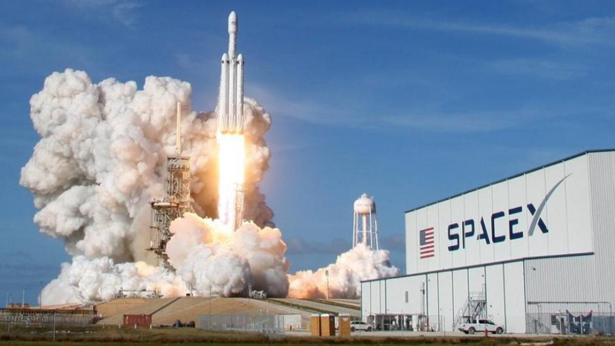 SpaceX successfully launched the 29th batch of Starlink satellites for the 100th consecutive launch